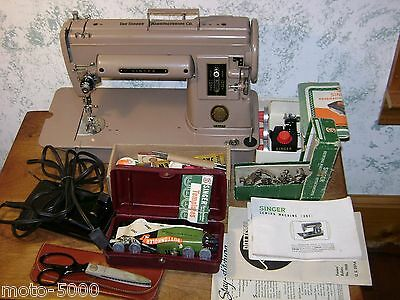 SINGER 301A SEWING MACHINE w/ FOOT PEDAL - ACCESSORIES & MANUAL