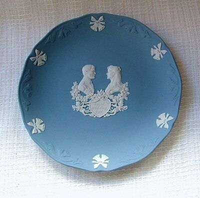 Wedgwood BLUE Jasper Ware PLATE Marriage/Wedding PRINCE ANDREW & FERGIE