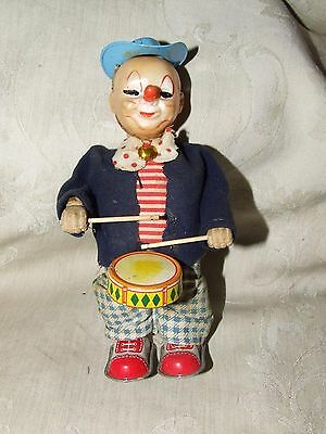 VINTAGE Japan 1950s CLOWN playing DRUM Tin Wind Up Toy WORKS Soft Rubber Head