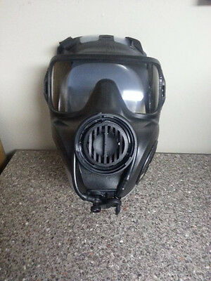Avon M53 military gas mask NEW