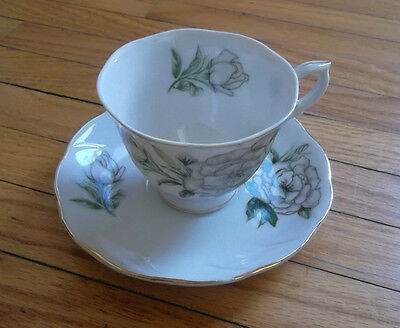 Pretty Vintage Cup and Saucer - Floral Pattern