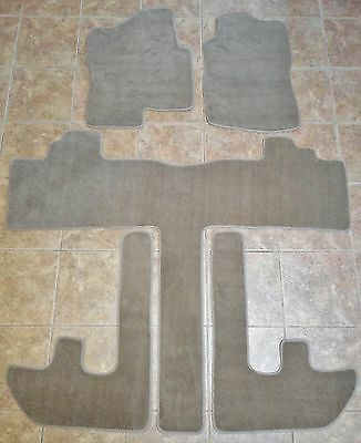 Suburban/Yukon XL Carpet Fit Floor Mats 5 Pc- 2007 08 09 2010 Black/Gray/Beige
