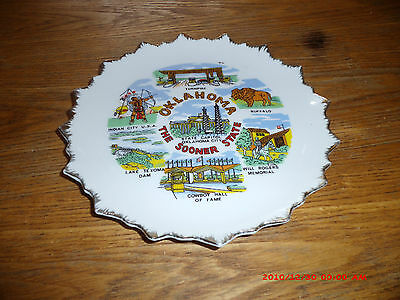 OKLAHOMA THE SOONER STATE COLLECTOR PLATE  WITH HANGER ON BACK