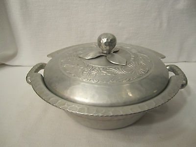 Vtg Everlast Hand Forged Aluminum Serving Dish Bowl, Hammered, Floral Design