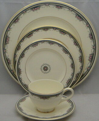Royal Doulton Albany 5 Piece Place Setting