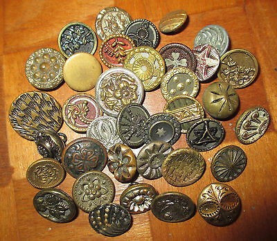 Lot  30+  Antique Vintage Victorian Metal Buttons -  Brass Tinies Flowers ++