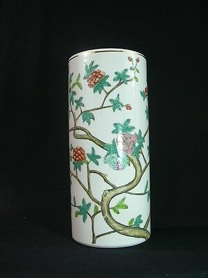 Beautiful Hand-painted Hat Stand / Vase - Famille Rose