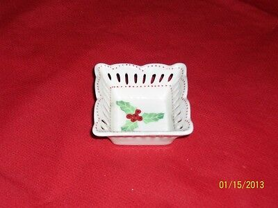 Andrea by Sadek Victorian Holly Berries Party Favor Salt Dip Dish Ring Keeper