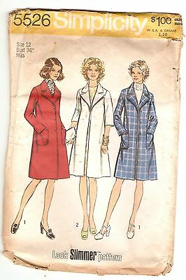 VINTAGE PATTERN, SIMPLICITY 5526, MISSES' AND WOMEN'S COAT, 1973