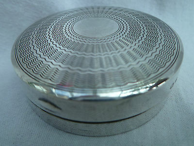 1928 ART DECO SOLID SILVER ENGINE TURNED POWDER COMPACT or PILL BOX, BIRMINGHAM