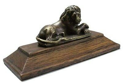 Nice tiny lion resting bronze figure on oak base 7 cm x 3 cm
