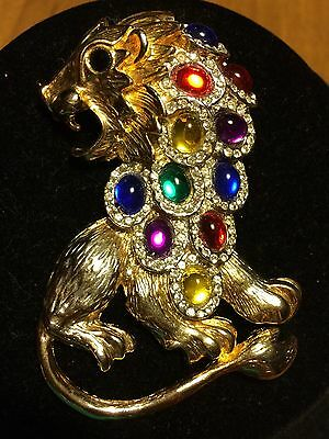 Vintage Lion Pin  /Brooch Unsigned Mulitcolored Glass Stones Might Be TRIFARI..?
