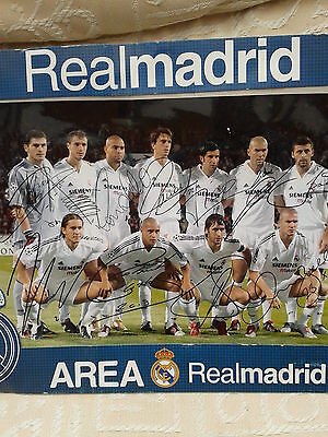 Real Madrid Team Photo with facsimilie autographs [Beckham,Raul,Carlos,Figo etc]