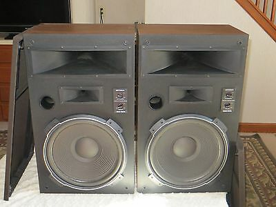 Realistic Mach 3 speakers...rare....in excellent shape