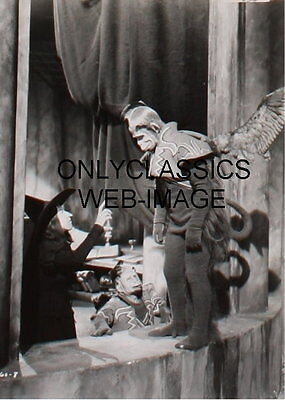 "1939 ""WIZARD OF OZ"" WICKED WITCH & FLYING MONKEY CASTLE PHOTO COOL CLASSIC IMAGE"