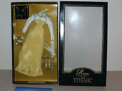 Franklin Mint For Doll Titanic Yellow and White Strolling Ensemble With COA