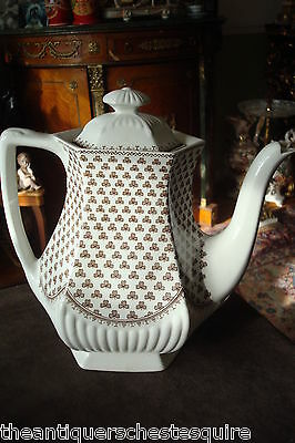 Real English Ironstone Adams & Sons, Sharon Shamrock Teapot[12*]