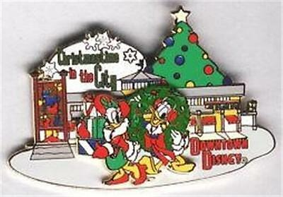 DONALD+DAISY SHOPPING CHRISTMASTIME IN THE CITY Downtown DISNEY LE EVENT PIN NIP