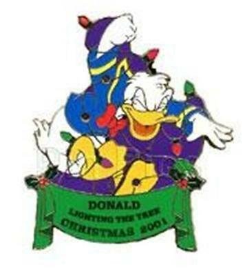 DONALD NIGHT BEFORE XMAS TANGLED In LIGHTS-UP 2001 LE HOLIDAY WDW DISNEY PIN