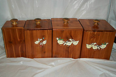 4PC WOODEN CEDAR  CANISTER SET WITH DUCKS