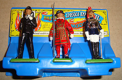 Britains 7224 Counter Pack Policeman/horse Guard/yeoman (Soldatini)