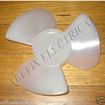 17.8cm Plastic CCW Condensor Fan 4.5mm Mounting & 3 Blades - Part # RF070K