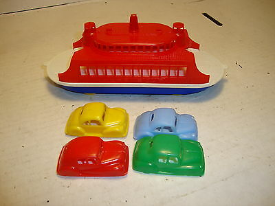 Vintage Pyro 1950's Plastic Ferry Boat with 4 Cars (Red,White,Blue) EXC