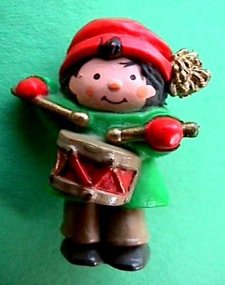 CHRISTMAS Pin LITTLE DRUMMER BOY Christmas Xmas Vtg Lapel PIN Brooch Vintage