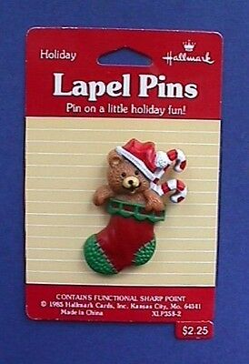 MOC CHRISTMAS Pin BROOCH Red STOCKING With TEDDY BEAR Vtg Xmas Holiday Jewelry