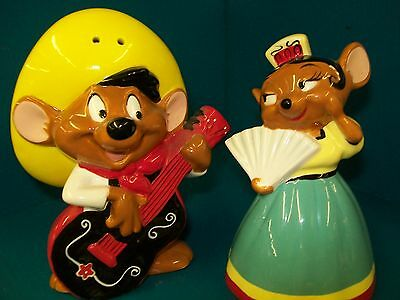 Warner Brothers 1999 Speedy Gonzales And Carmela Salt and Pepper Shaker