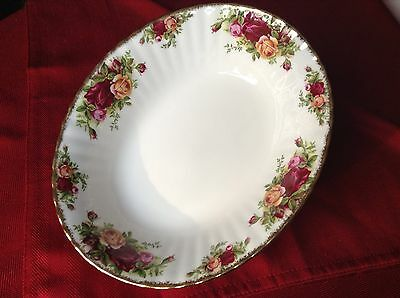 ROYAL ALBERT OLD COUNTRY ROSES OVAL SERVING BOWL - 1ST QUALITY - ENGLAND