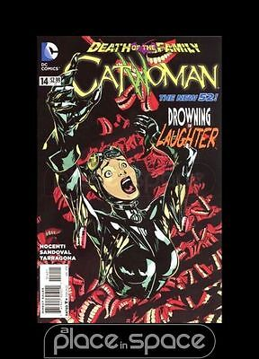 Catwoman, Vol. 4 #14 - Death Of The Family