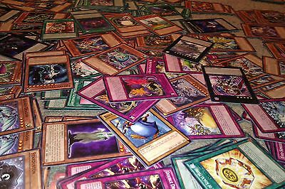 50 Random Yugioh card lot from the PRIO-EN booster card set