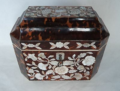STRIKING ANTIQUE GEORGIAN FAUX TORTOISESHELL & MOTHER OF PEARL TEA CADDY