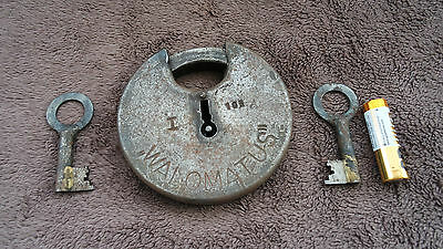 Vintage Large Padlock ''Walomatus'' with two keys, working order