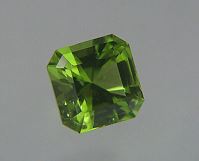 Peridot. Barion Style Cut. San Carlos Apache Apple Green. 3.85cts. 9mm.