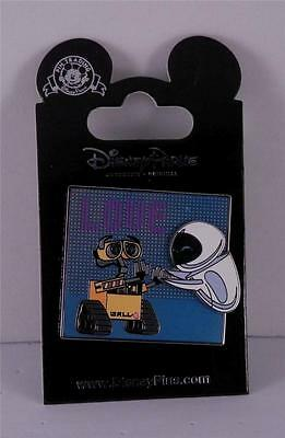 Disney 2015 Newly Released Wall-e and Eve 3D Glitter Trading Pin