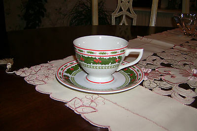 VINTAGE LEFTON CHINA CHRISTMAS HOLIDAY HOLLY CUP & SAUCER 1299 HAND PAINTED