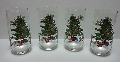 Holiday Christmas Tree Glassware Set of 4 Holly Berries Vintage Retro Cups - 391