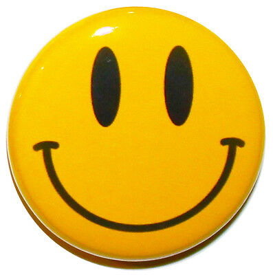 **SPECIAL OFFER** Classic Yellow Smiley Face Button Badge Pin - 25mm