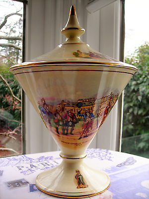 1941-51 Royal Winton covered candy dish with royal historic scenes. Gordon shape