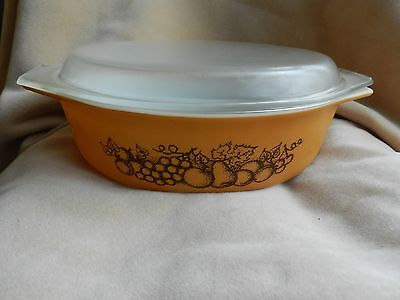 PYREX 045 OLD ORCHARD 2.5 Quart Oval Casserole Dish 945C Cover Lid Brown Vintage