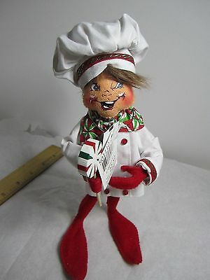 ANNALEE 2010   CHRISTMAS  PEPPERMINT CANDY  9 in BAKING  ELF