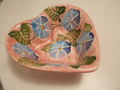 """ANCORA ITALY HAND PAINTED HEART BOWL-VERY GOOD CONDITION-7 1/2"""" X 3"""""""