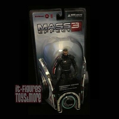 MASS EFFECT 3 Series 1 SHEPARD Action Figure BIG FISH with Code IN STOCK!