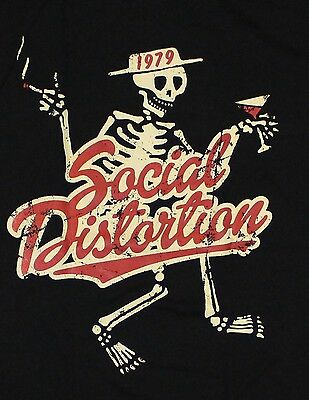 SOCIAL DISTORTION with Cigarette AND Wine 1979  T-Shirt black color, heavy metal