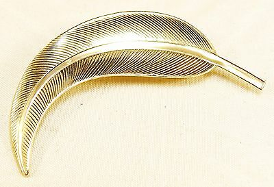 Rare Womens Vintage Designer Detailed Gold Tone Leaf Leave Pin Very Lovely