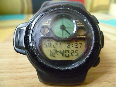 VINTAGE CASIO 1044 CPW-310 DIGITAL COMPASS LCD WATCH RARE