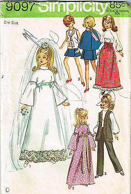 """Vintage 1970 DOLL CLOTHING PATTERN for 11-1/2"""" Doll Simplicity 9097"""