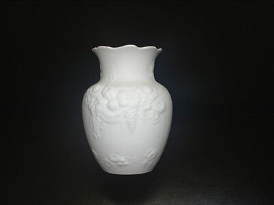 "Lovely KAISER White Bisque VASE 4 1/4"" Tall EXCELLENT GERMANY M FREY Signed 1349"